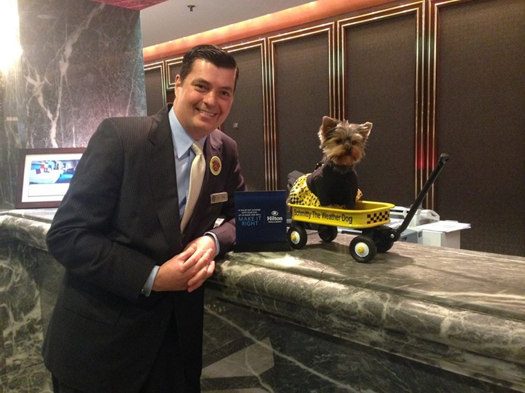Top Dog & GM John Wells rolls out the welcome wagon for me.  But wait, that's my wagon! BOL!