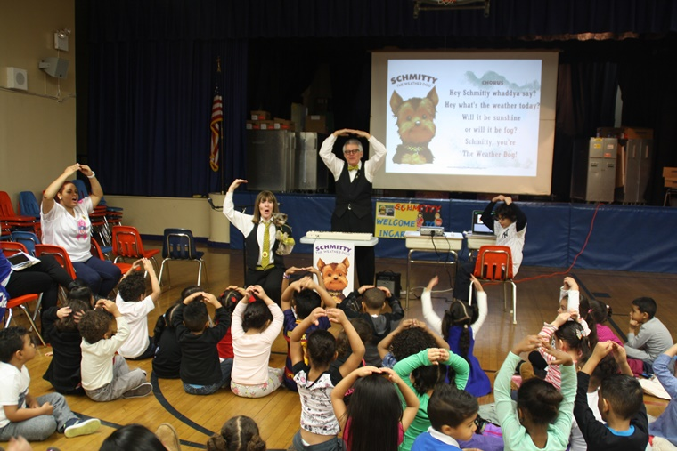 """Everybody Say O!"" Musical Meteorologist Ron, at Incarnation School in NYC, uses music to help make science and weather fun!"